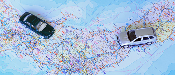 日本地図とミニチュアカー