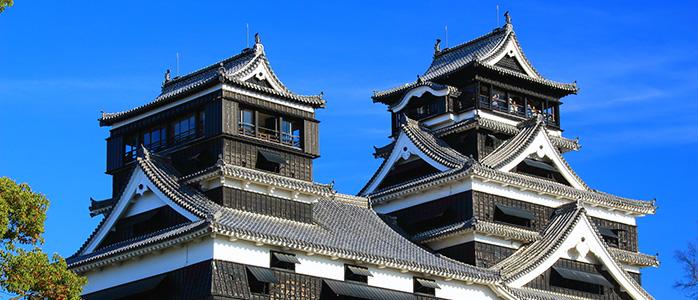 晴天の下の熊本城