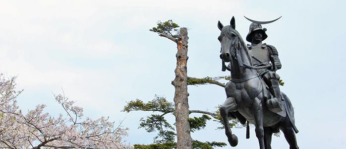 仙台城跡の伊達政宗騎馬像